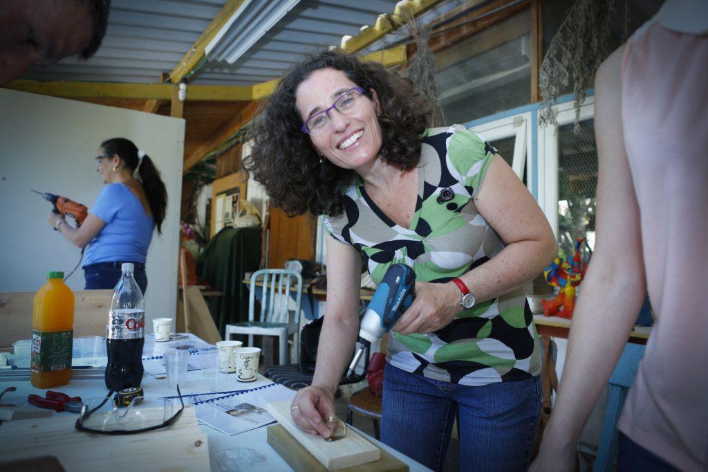 הנדיוומן: אריאלה זמיר, זמיר מילת מפתח, מנהלת פורום כתיבה שיווקית באתר גולדה