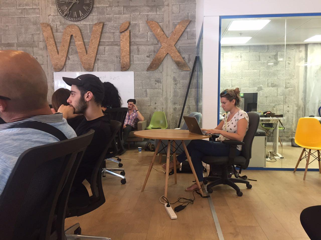 מנהל עסקים - סיור בנמל תל אביב ואירוח ב WIX