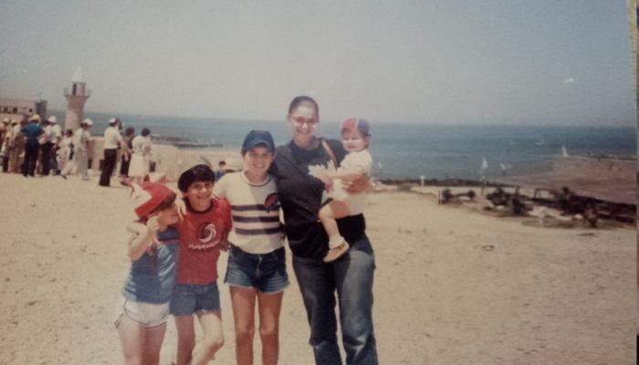 מיכל דליות, סופר נני, עם ארבעת ילדיה בראיון לאתר גולדה